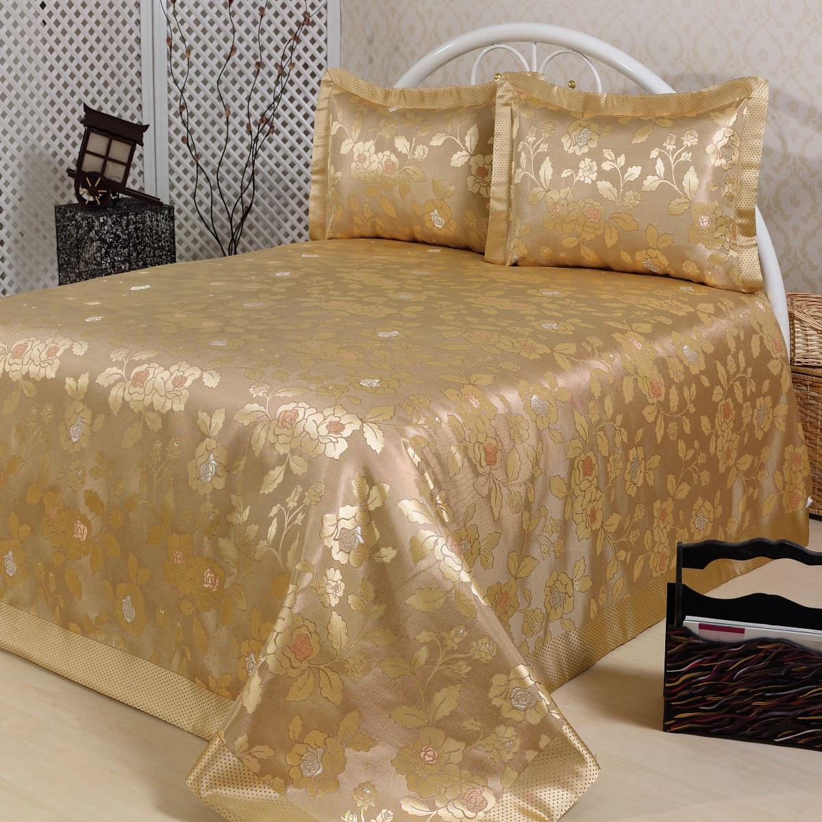 Комплект для спальни Karna Nazsu. Gul: покрывало 240 х 260 см, 2 наволочки 50 х 70 см, цвет: золотистый811/3/CHAR006Изысканный комплект Karna Nazsu. Gul прекрасно оформит интерьер спальни или гостиной. Комплект состоит из покрывала и двух наволочек. Изделия изготовлены из 50% хлопка и 50% полиэстера. Постельные комплекты Karna уникальны, так как они практичны и универсальны в использовании. Материал хорошо сохраняет окраску и форму. Изделия долговечны, надежны и легко стираются.Комплект Karna не только подарит тепло, но и гармонично впишется в интерьер вашего дома. Размер покрывала: 240 х 260 см.Размер наволочки: 50 х 70 см.
