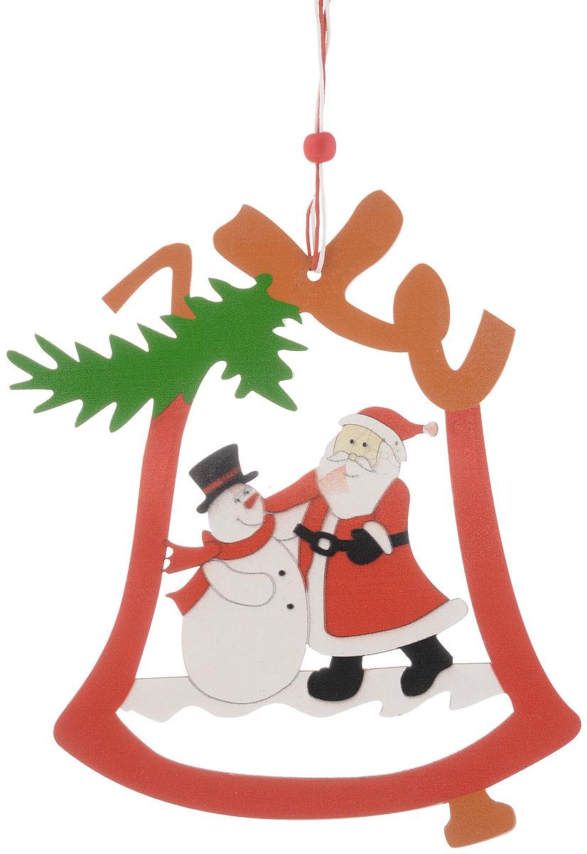 Украшение новогоднее подвесное House & Holder Дед Мороз. Снеговик, 14,5 х 19 смDP-C04-36164Новогоднее подвесное украшение House & Holder Дед Мороз. Снеговик выполнено из дерева. Изделие оформлено перфорацией. С помощью специальной петельки украшение можно повесить в любом понравившемся вам месте. Но, конечно, удачнее всего оно будет смотреться на праздничной елке.Елочная игрушка - символ Нового года. Она несет в себе волшебство и красоту праздника. Создайте в своем доме атмосферу веселья и радости, украшая новогоднюю елку нарядными игрушками, которые будут из года в год накапливать теплоту воспоминаний.Размер: 14,5 х 19 см.