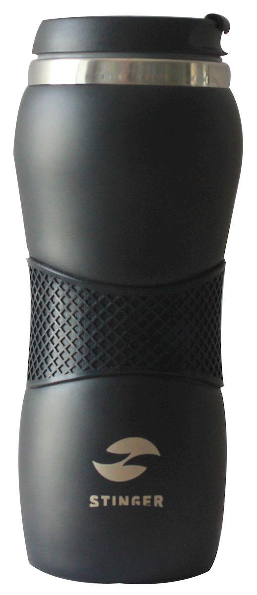 С наступлением холодов бренд Stinger спешит порадовать вас долгожданным пополнением в коллекции - термокружками! Термокружки Stinger помогут сохранить тепло и вкус вашего напитка, поднимут настроение горячим кофе или чаем в любой морозный день. - корпус: нержавеющая сталь. - цвет: черный матовый, силиконовое кольцо черного цвета. - внутренний резервуар: двойные стенки из нержавеющей стали - крышка: полипропилен - объем: 400 мл - упаковка: подарочная коробка - вес: 235 г. Идеально подходит как для горячих, так и для холодных напитков. Держит горячую температуру наполнения 2 часа, холодную - более 6 часов.