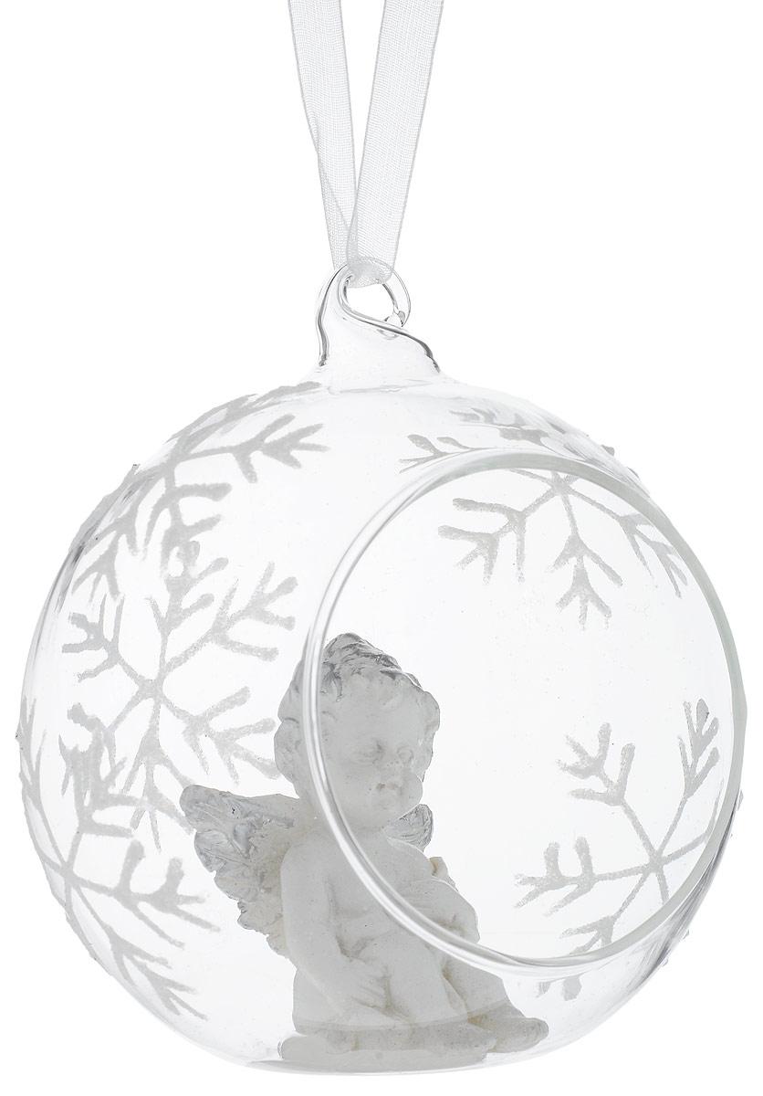 Украшение новогоднее подвесное Winter Wings Шар. Ангел, длина 9 смN079055Новогоднее украшение Winter Wings Шар. Ангел выполнено из стекла и в виде полусферы с фигуркой ангела внутри. Сама полусфера украшена рисунком из снежинок. С помощью специальной петельки украшение можно повесить в любом понравившемся вам месте. Но, конечно, удачнее всего оно будет смотреться на праздничной елке.Елочная игрушка - символ Нового года. Она несет в себе волшебство и красоту праздника. Создайте в своем доме атмосферу веселья и радости, украшая новогоднюю елку нарядными игрушками, которые будут из года в год накапливать теплоту воспоминаний.