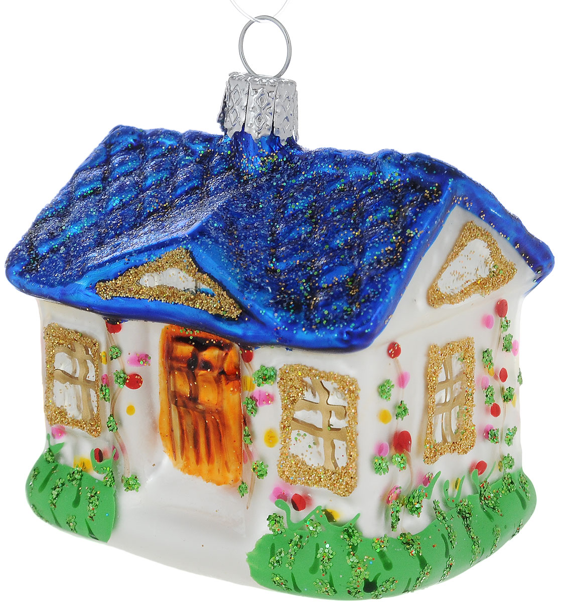 Украшение новогоднее подвесное Winter Wings Дом с синей крышей, высота 7 смN07825Новогоднее подвесное украшение Winter Wings Дом с синей крышей выполнено из стекла с декоративными элементами. С помощью специальной петельки украшение можно повесить в любом понравившемся вам месте. Но, конечно, удачнее всего оно будет смотреться на праздничной елке.Елочная игрушка - символ Нового года. Она несет в себе волшебство и красоту праздника. Создайте в своем доме атмосферу веселья и радости, украшая новогоднюю елку нарядными игрушками, которые будут из года в год накапливать теплоту воспоминаний.Размер: 5,5 х 4,5 х 7 см.