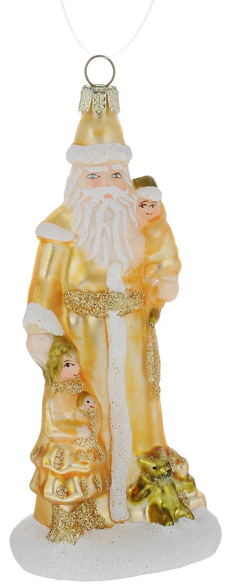 Украшение новогоднее подвесное Winter Wings Дед Мороз, 5,5 х 5 х 11,5 смN07607Украшение Winter Wings Дед Мороз прекрасно подойдет для праздничного декора новогодней ели. Изделие выполнено из высококачественного стекла и украшено блестками. Для удобного размещения на елке предусмотрена петелька.Елочная игрушка - символ Нового года. Она несет в себе волшебство и красоту праздника. Создайте в своем доме атмосферу веселья и радости, украшая новогоднюю елку нарядными игрушками, которые будут из года в год накапливать теплоту воспоминаний.