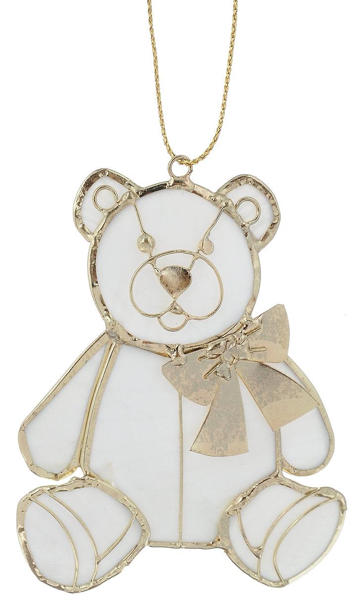 Украшение новогоднее подвесное Winter Wings Мишка, 6,5 х 8 смN181523Украшение Winter Wings Мишка прекрасно подойдетдля праздничного декора новогодней ели. Изделиевыполнено из перламутра и металла. Для удобногоразмещения на елке предусмотрена текстильная петелька.Елочная игрушка - символ Нового года. Она несет в себеволшебство и красоту праздника. Создайте в своем домеатмосферу веселья и радости, украшая новогоднюю елкунарядными игрушками, которые будут из года в годнакапливать теплоту воспоминаний.