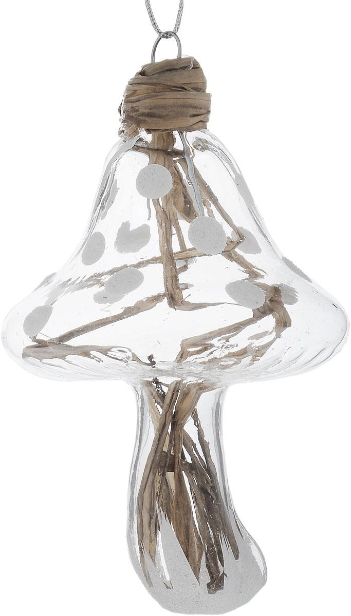Украшение новогоднее подвесное Winter Wings Гриб, 6 х 5 х 9 смN07978Новогоднее подвесное украшение Winter Wings Гриб выполнено из стекла и соломы. С помощью специальной петельки украшение можно повесить в любом понравившемся вам месте. Но, конечно, удачнее всего оно будет смотреться на праздничной елке.Елочная игрушка - символ Нового года. Она несет в себе волшебство и красоту праздника. Создайте в своем доме атмосферу веселья и радости, украшая новогоднюю елку нарядными игрушками, которые будут из года в год накапливать теплоту воспоминаний.Размер: 6 х 5 х 9 см.