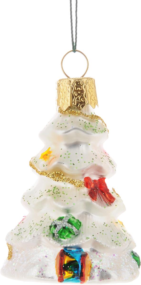 Украшение новогоднее подвесное Winter Wings Елочка, высота 6 смN07226_белыйНовогоднее подвесное украшение Winter Wings Елочка выполнено из стекла в виде ели. С помощью специальной петельки украшение можно повесить в любом понравившемся вам месте. Но, конечно, удачнее всего оно будет смотреться на праздничной елке.Елочная игрушка - символ Нового года. Она несет в себе волшебство и красоту праздника. Создайте в своем доме атмосферу веселья и радости, украшая новогоднюю елку нарядными игрушками, которые будут из года в год накапливать теплоту воспоминаний.