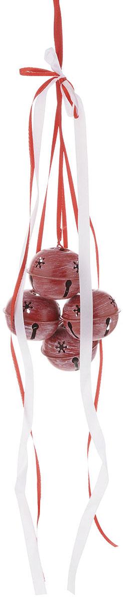 Украшение новогоднее подвесное House & Holder Бубенчики, цвет: белый, красный, диаметр 5 смDP-C04-39513RНовогоднее подвесное украшение House & Holder Бубенчики выполнено из металла. Изделие оформлено перфорацией. С помощью специальной петельки украшение можно повесить в любом понравившемся вам месте. Но, конечно, удачнее всего оно будет смотреться на праздничной елке.Елочная игрушка - символ Нового года. Она несет в себе волшебство и красоту праздника. Создайте в своем доме атмосферу веселья и радости, украшая новогоднюю елку нарядными игрушками, которые будут из года в год накапливать теплоту воспоминаний.Диаметр: 5 см.Количество бубенчиков: 4 шт.