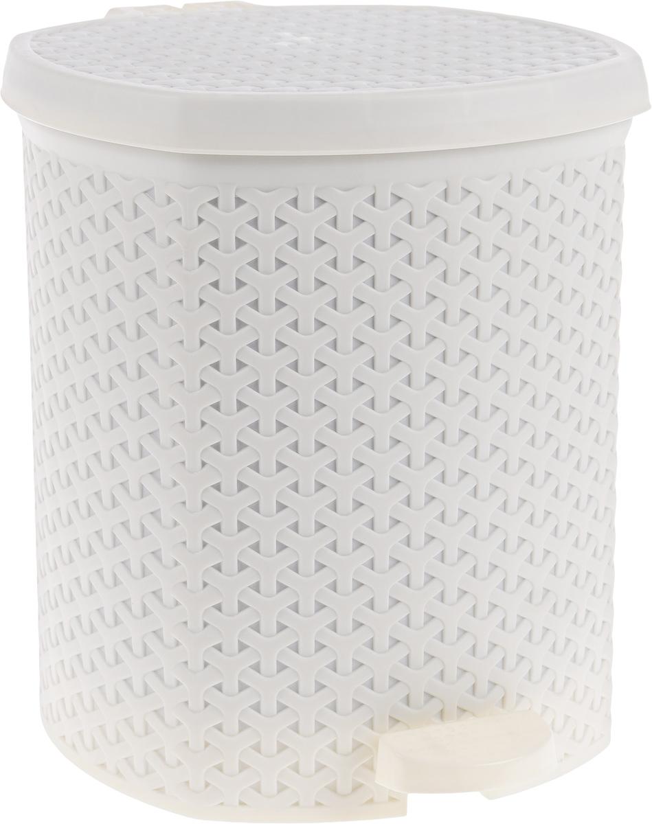 Контейнер для мусора Magnolia Home, с педалью, цвет: кремовый, 12 л3903Мусорный контейнер Magnolia Home очень удобен в использовании как дома, так и в офисе. Изделие, выполненное из прочного пластика, не боится ударов. Контейнер оснащен педалью, с помощью которой можно открытькрышку. Закрывается крышка практически бесшумно, плотно прилегает, предотвращаяраспространение запаха. Внутри пластиковая емкость для мусора, которую при необходимости можно достать из контейнера. Интересный дизайн разнообразит интерьер кухни и сделает его более оригинальным.