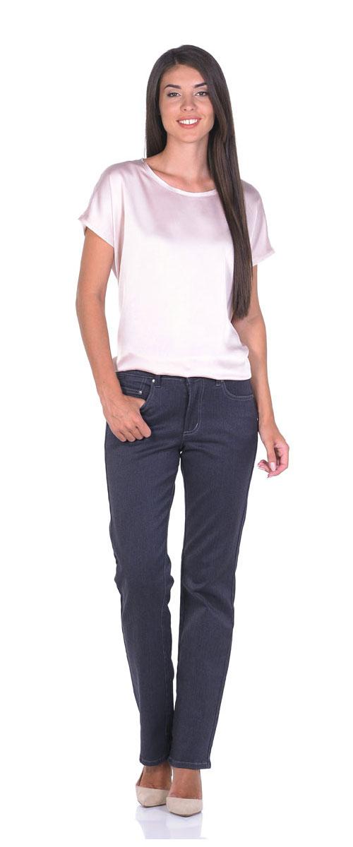 Джинсы женские Montana, цвет: серый. 10773. Размер 28-32 (46-32)10773_RWСтильные женские джинсы Montana - отличная модель на каждый день, которая прекрасно вам подойдет.Изделие изготовлено из хлопка с добавлением полиэстера и спандекса. Джинсы-прямого кроя на талии застегиваются на металлическую пуговицу, также имеются ширинка на застежке-молнии и шлевки для ремня. Спереди модель дополнена двумя втачными карманами и одним маленьким накладным кармашком, а сзади - двумя накладными карманами. Модель оформлена контрастной прострочкой.