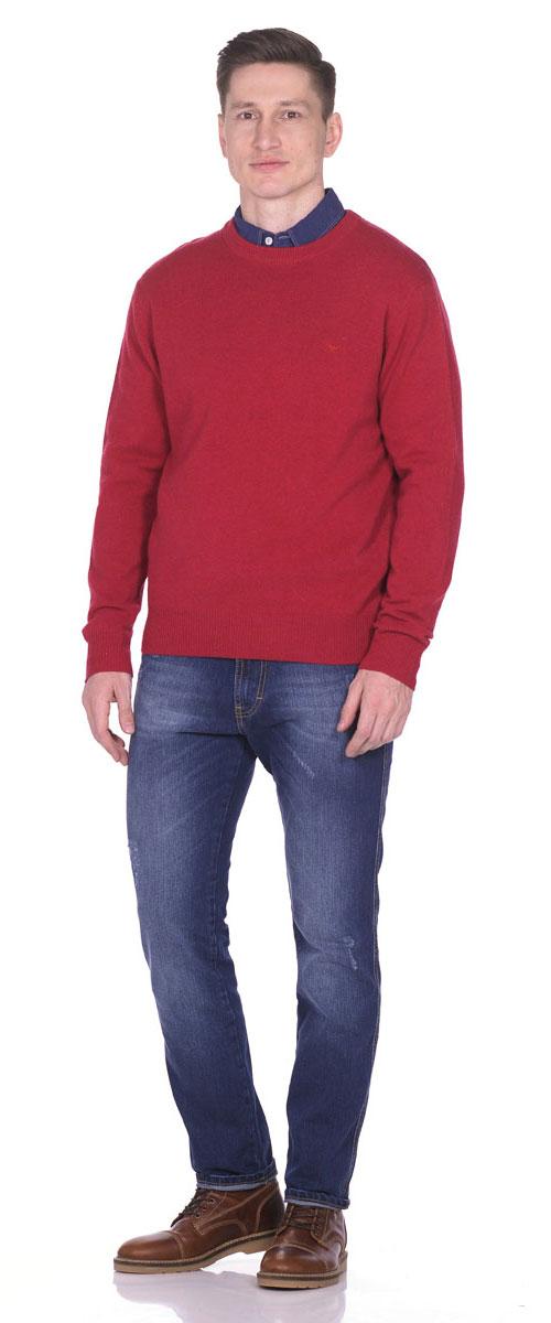 Пуловер мужской Montana, цвет: темно-красный. 26095. Размер M (48)26095_RedТеплый мужской пуловер выполнен из 100% овечьей шерсти. Модель с длинным рукавом и круглым вырезом горловины спереди оформлен небольшой вышивкой с логотипом бренда. Низ, горловина и манжеты пуловера выполнены извязанной манжетной резинки.