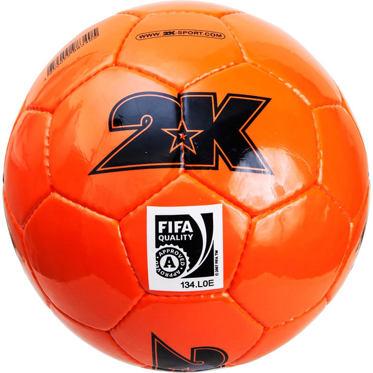 Мяч футбольный 2K Sport Elite, цвет: оранжевый, черный. Размер 5127053Профессиональный футбольный мяч 2K Sport Elite одобрен FIFA для проведения соревнований высшей категории. Мяч состоит из 32 панелей ручной сшивки. Швы проклеены для герметизации. Мяч выполнен из переливающегося ламинированного полиуретана. Имеется три подкладочных слоя из эксклюзивной ткани – смеси хлопка с полиэстером. Идеально сбалансированная бесшовная камера изготовлена из натурального латекса.Сертификат FIFA Approved.