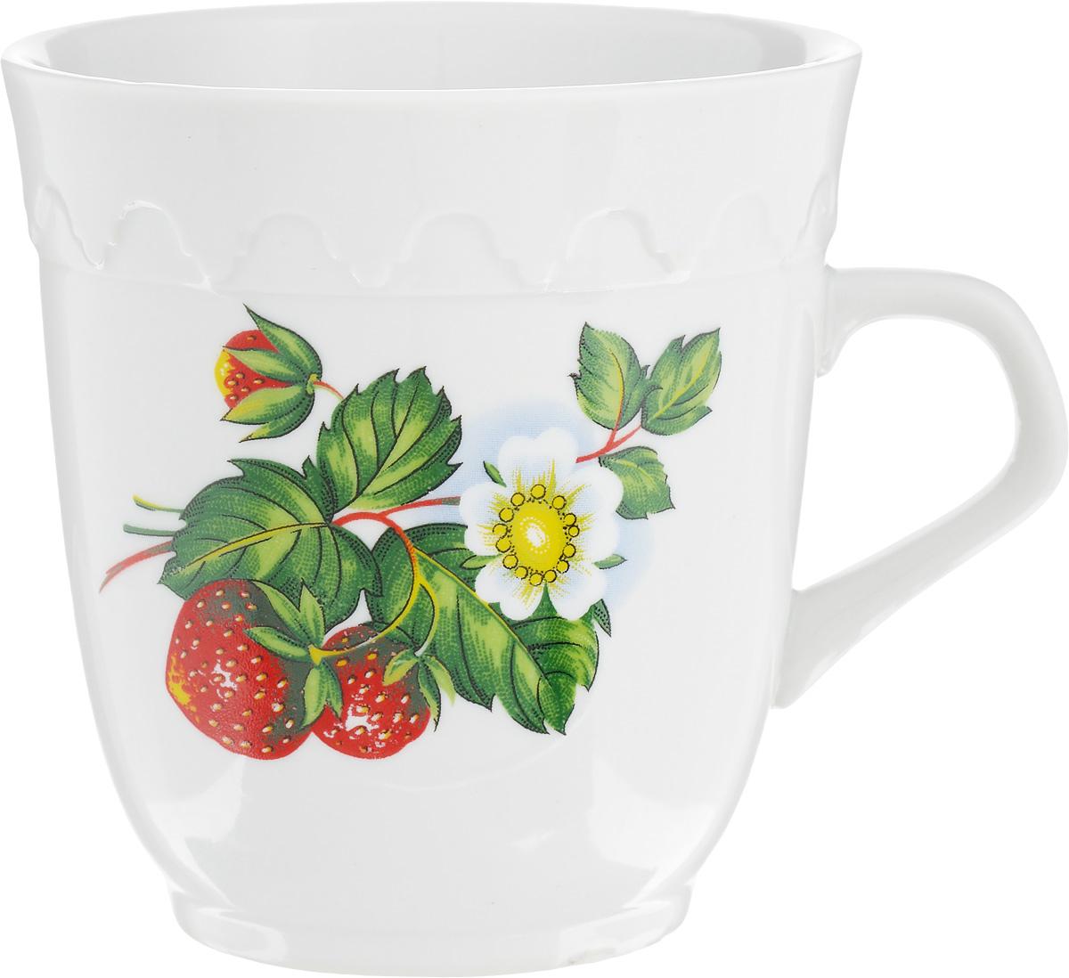 """Кружка Фарфор Вербилок """"Арабеска. Цветущая  земляника"""" способна скрасить любое чаепитие. Изделие  выполнено из высококачественного фарфора. Посуда из  такого материала позволяет сохранить истинный вкус  напитка, а также помогает ему дольше оставаться теплым. Диаметр по верхнему краю: 8,3 см."""
