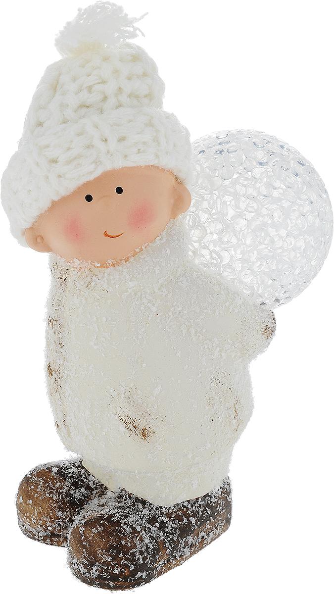 Фигурка декоративная House & Holder Мальчик с шаром, с подсветкой, высота 15 см фигурка декоративная house & holder дед мороз с подсветкой высота 9 см