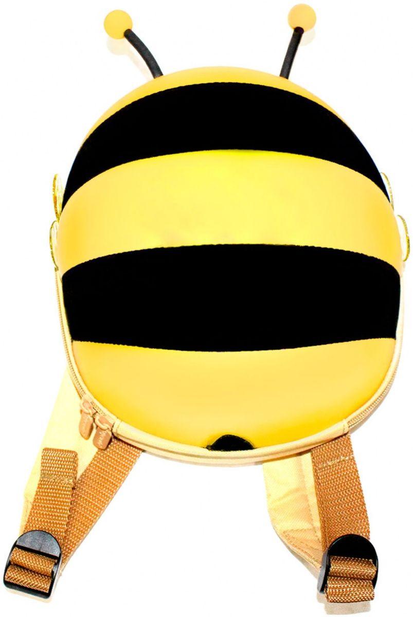Bradex Ранец детский Пчелка цвет желтыйDE 0183Симпатичный твердый ранец Bradex Пчелка исполнен из аналога водоотталкивающей эко-кожи в виде пчелки с торчащими усиками и прозрачными крылышками. Внутри имеется сетка с резинкой, карман на липучке для мелочей. Широкие мягкие лямки. Комфортная двусторонняя молния.