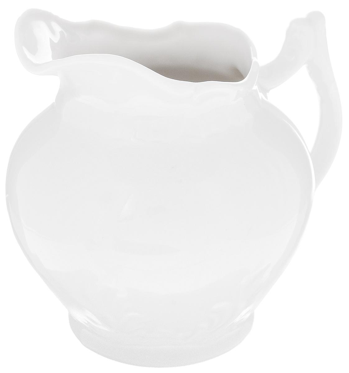 Сливочник Фарфор Вербилок, 350 мл3814000БСливочник Фарфор Вербилок выполнен из высококачественного фарфора. Это изделие предназначено для того, чтобы красиво и аппетитно подавать на стол сливки или молоко к чаю, кофе, супу или фруктам.Размер сливочника (по верхнему краю): 6 х 7,5 см.Высота сливочника: 11,5 см.