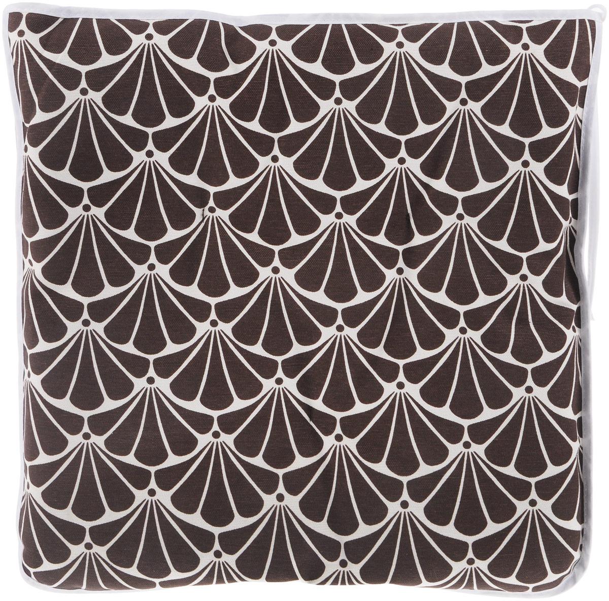 Подушка на стул KauffOrt Томный сад, цвет: коричневый, Белый, 40 x 40 см3112494140Подушка на стул KauffOrt Томный сад не только красиво дополнит интерьер кухни, но и обеспечит комфорт при сидении. Изделие выполнено из материалов высокого качества. Подушка легко крепится на стул с помощью завязок. Правильно сидеть - значит сохранить здоровье на долгие годы. Жесткие сидения подвергают наше здоровье опасности. Подушка с мягким наполнителем поможет предотвратить большинство нежелательных последствий сидячего образа жизни.Толщина подушки: 5 см.