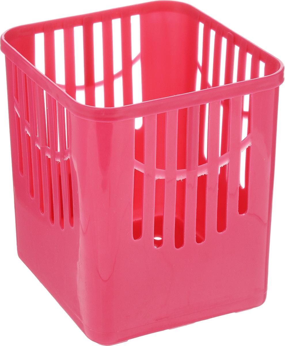 Подставка для столовых приборов Axentia, цвет: вишневый, 10,5 х 10,5 х 12,5 см232039_вишневыйПодставка для столовых приборов Axentia, выполненная из высококачественного пластика, станет полезным приобретением для вашей кухни. Она хорошо впишется в интерьер, не займет много места, а столовые приборы будут всегда под рукой.Размер подставки: 10,5 х 10,5 х 12,5 см.
