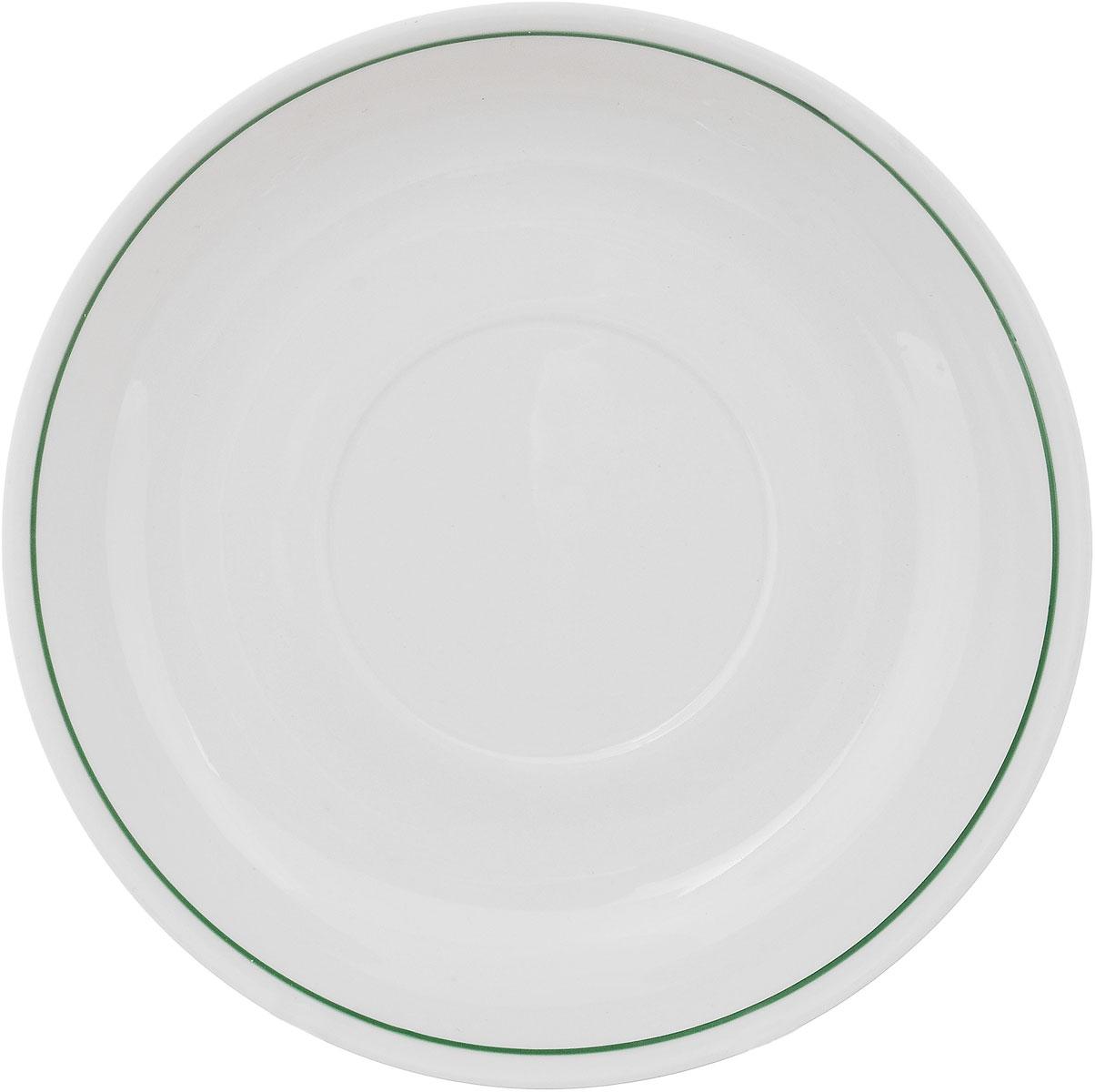 Блюдце Фарфор Вербилок, диаметр 14 см. 558001558001Блюдце Фарфор Вербилок выполнено из высококачественного фарфора. Изделие идеально подойдет для сервировки стола и станет отличным подарком к любому празднику.Диаметр блюдца (по верхнему краю): 14 см.Высота блюдца: 2,5 см.