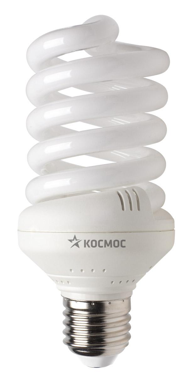 Лампа энергосберегающая Космос, свет: теплый. Модель Т3 SPC 30W E2727LKsmSPC30wE2727Энергосберегающая лампа Космос теплого света способствует расслаблению, ее лучше использовать в спальнях, местах для отдыха. Сфера применения энергосберегающей лампы Космос та же, что и у лампы накаливания, но данная лампа имеет ряд преимуществ: температура колбы ниже, чем у ламп накаливания, что позволяет использовать энергосберегающие лампы в тканевых абажурах без риска их выцветания и возникновения пожара; полностью заменяет галогенные и обычные лампы накаливания. Колба лампы имеет защитное покрытие, препятствующее ультрафиолетовому излучению. Не содержат паров ртути: технология амальгамной дозировки обеспечивает более стабильный поток не только в течение всего срока службы лампы, но также при изменении температуры окружающей среды и рабочего положения лампы. Применение РТС-термистра с положительным коэффициентом температуры, осуществляющего плавный старт лампы, позволяет производить до 500000 включений-выключений лампы, что увеличивает срок службы лампы. Применение ЕМС-системы подавления электромагнитных помех позволяет использовать лампу в электросетях с чувствительными электронными приборами. Лампа соответствует требованиям ROHS (директива, ограничивающая содержание вредных веществ). Данная директива ограничивает использование в производстве шести опасных веществ: свинец, ртуть, кадмий, шестивалентный хром, полибромированные бифенолы, полибромированный дифенол-эфир. Энергосберегающие лампы очень популярны благодаря своей высокой экономичности, большому сроку службы и низкому потреблению электроэнергии. Энергосберегающая лампа Космом обладает большой мощностью, которая позволяют освещать большие площади или помещения с большой высоты потолка. Характеристики:Модель:Т3 SPC 30W E2727. Материал:стекло, металл, пластик. Диаметр колбы (по верхнему краю): 6 см. Общая длина:13 см. Тип цоколя:E27. Мощность:30 Вт. Соответствующая мощность лампы накаливания:150 Вт. Свет:теплый. Цветовая те