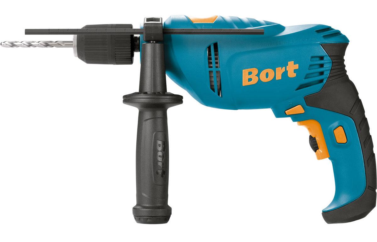 Дрель ударная Bort BSM-650U-QBSM-650U-QBort BSM-650U-Q – ударная дрель для сверления отверстий в металле, бетоне и дереве. Оснащена двигателем мощностью 0,65 кВт. В комплекте с дрелью поставляется дополнительная рукоять с отсеком для хранения сверл. Основная рукоятка имеет эластичную накладку для комфортного хвата. Основные особенности:- наличие реверса позволяет применять дрель в качестве шуруповерта. - максимальная скорость – 2800 об/мин. - для отвода излишков тепла предусмотрены специальные вентиляционные отверстия. - для быстрой замены оснастки - быстрозажимной патрон. - предусмотрена электронная установка частоты вращений. - благодаря режиму сверления с ударом, вы можете эффективно работать даже с бетоном. - диаметр сверления в бетоне - 13 мм. - глубиномер обеспечивает максимальную точность сверления. Диаметр патрона – 13 мм.Комплектация:комплект щеток; глубиномер; дополнительная рукоять.