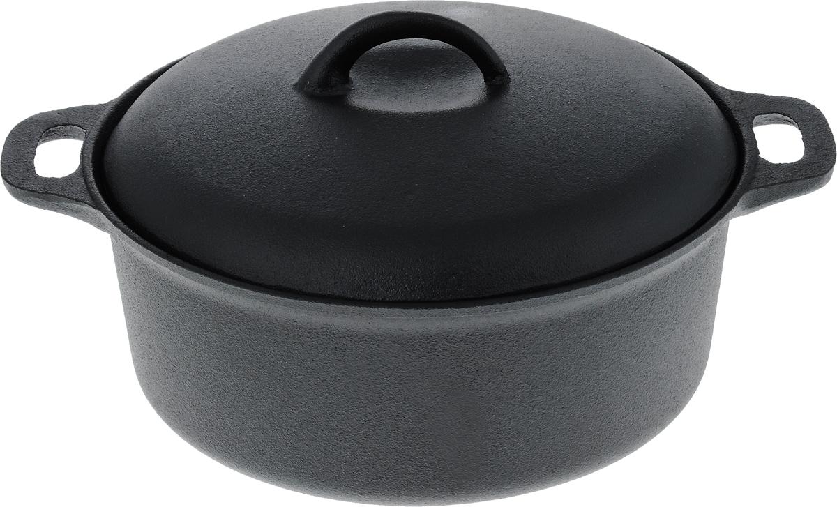 Кастрюля Myron Cook с крышкой, 4 лHE5104Кастрюля с крышкой Myron Cook - высококачественное изделие, которое превратит процесс приготовления блюд в настоящий праздник. Кастрюля изготовлена из чугуна, отличающегося долговечностью и прочностью. Этот материал идеально подходит для приготовления самых разнообразных блюд: взаимодействуя с продуктами питания, он не влияет на них отрицательно. Наоборот, вкус и аромат блюд раскрываются, становясь богаче и сочнее.Еще одно преимущество чугуна - равномерный нагрев, что предотвращает пригорание пищи. Чугунная крышка, в свою очередь, формирует в емкости оптимальную температуру для быстрого приготовления продуктов. Готовое блюдо еще достаточно долго будет сохранять свое тепло, избавив вас от необходимости его дополнительного подогрева.Подходит для газовых, электрических, стеклокерамических и индукционных плит. Можно мыть в посудомоечной машине.Размер кастрюли (без учета крышки): 33 х 26,5 х 10,5 см.