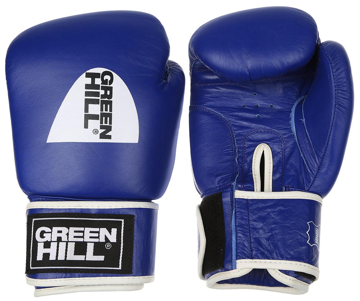 Перчатки боксерские Green Hill Gym, цвет: синий, белый. Вес 16 унцийBGG-2018Боксерские перчатки Green Hill Gym подходят для всех видов единоборств где применяют перчатки. Подойдет как для бокса, так и для кикбоксинга. Новички и профессионалы высоко ценят эту модель за универсальность. Верхняя часть перчатки выполнена из натуральной кожи, наполнитель - пенополиуретан. Перфорированная поверхность в области ладони позволяет создать максимально комфортный терморежим во время занятий. Закрепляется на руке при помощи липучки.