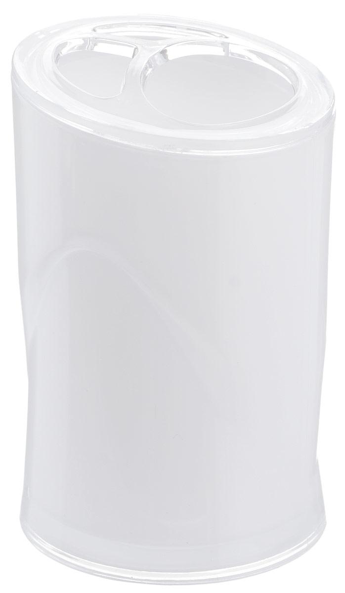 Стакан для зубных щеток Indecor, цвет: белый, высота 11 смIND028wОригинальный стакан для зубных щеток Indecor изготовлен из пластика и отлично подойдет для вашей ванной комнаты. Стильный дизайн изделия притягивает взгляд и прекрасно подойдет к интерьеру в ванной комнаты.Размер стакана: 7 х 7 х 11 см.