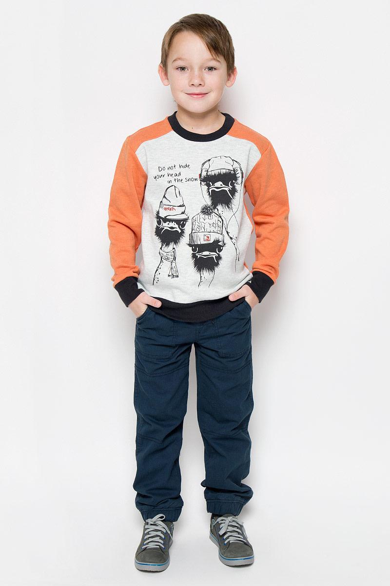 Свитшот для мальчика Sela, цвет: оранжевый, серый. St-813/152-6415. Размер 152, 12 летSt-813/152-6415Свитшот для мальчика Sela с длинными рукавами-реглан и круглым вырезом горловины выполнен из хлопка с добавлением полиэстера. Лицевая сторона изделия гладкая, внутренняя имеет мягкую флисовую отделку. Изделие оформлено принтом с изображением двух страусов в шапочках и надписью Do Not Hide Your Head in the Snow. Рукава, низ и горловина свитшота дополнены эластичными манжетами.