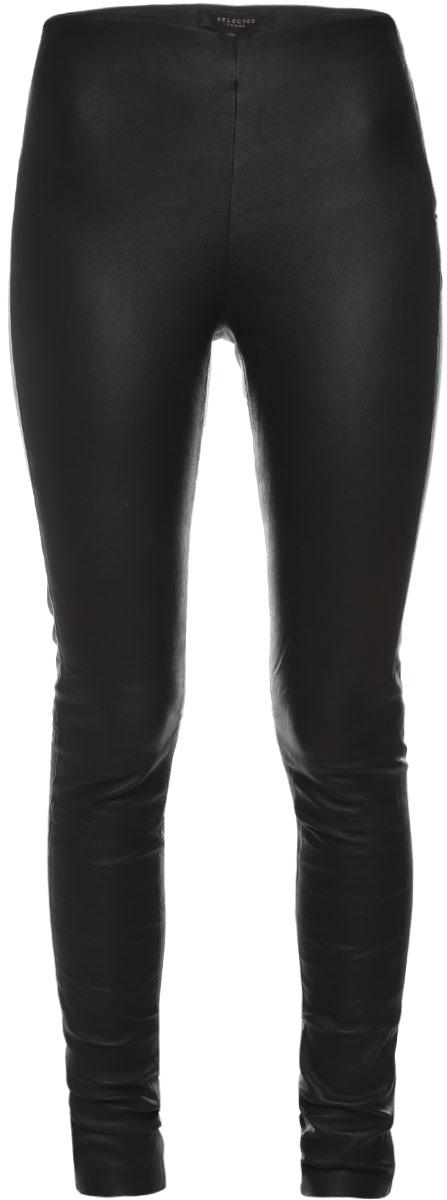 Брюки женские Selected Femme, цвет: черный. 16054544. Размер 36 (42)16054544_BlackСтильные женские брюки Selected Femme, выполненные из материала высочайшего качества: овчинной кожи.Модель-скинни стандартной посадки и зауженного кроя сбоку застегивается на застежку-молнию, а также на одну кнопку.