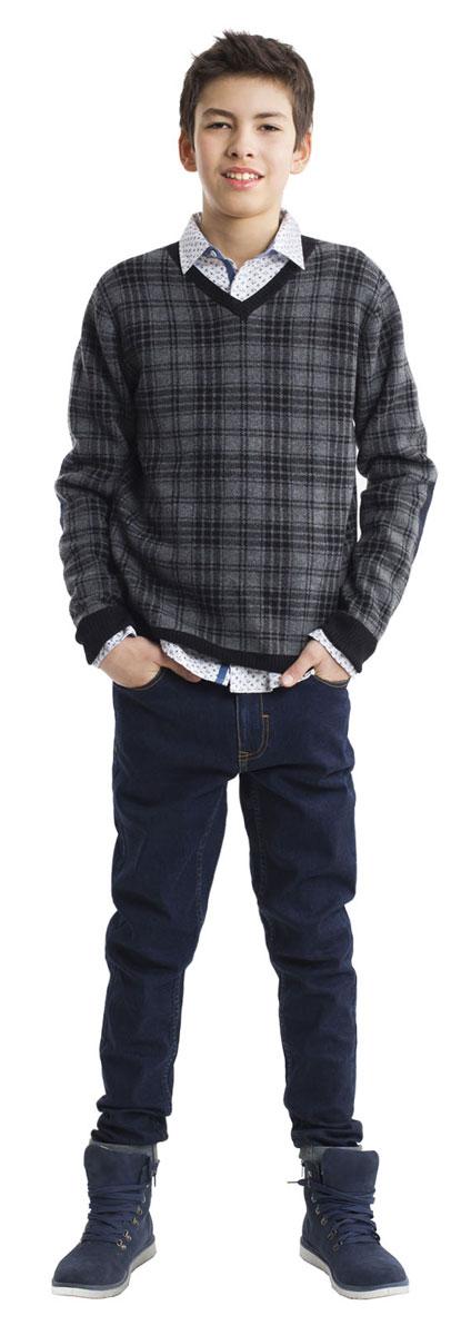 Джемпер для мальчика Gulliver, цвет: серый, черный. 21611BTC3101. Размер 15821611BTC3101Шикарный джемпер в крупную, но не броскую клетку - оригинальный элемент осеннего мальчикового гардероба. Прекрасный состав пряжи делает джемпер мягким, легким, приятным на ощупь. Если вы хотите купить джемпер, порадуйте подростка необычной моделью. Уют, тепло и хорошее настроение гарантированно!