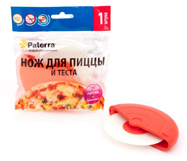 Нож для теста и пиццы Paterra, 14 х 12 х 2,5 см402-496Нож Paterra - идеальное решение для любителей изделий из теста и пиццы. Нож изготовлен из высококачественного пластика, легко и просто разрежет пиццу на кусочки, им легко вырезать любые фигурки из теста, например, для рогаликов, удобно подравнивать края коржей. Роликовая конструкция ножа очень удобна, она способствует качественному захвату рукой.