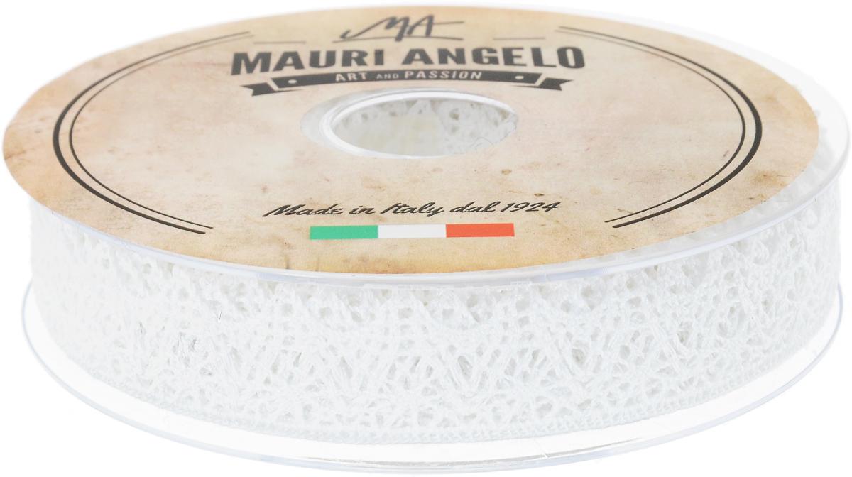 Лента кружевная Mauri Angelo, цвет: белый, 2,2 см х 20 мMR3137_белыйДекоративная кружевная лента Mauri Angelo - текстильное изделие без тканой основы, в котором ажурный орнамент и изображения образуются в результате переплетения нитей. Кружево применяется для отделки одежды, белья в виде окаймления или вставок, а также в оформлении интерьера, декоративных панно, скатертей, тюлей, покрывал. Главные особенности кружева - воздушность, тонкость, эластичность, узорность.Декоративная кружевная лента Mauri Angelo станет незаменимым элементом в создании рукотворного шедевра. Ширина: 2,2 см.Длина: 20 м.