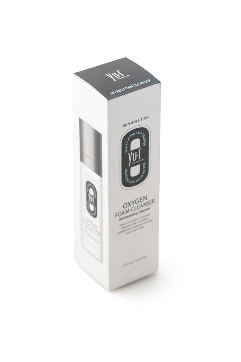 Пенка кислородная для умывания Yu-r Oxygen Foam Cleanser, 120 мл00-00000040Пенка очищает кожу от загрязнений и макияжа. Контактируя с воздухом, гель-пенка превращается в множество мельчайших пузырьков, которые насыщают кожу кислородом и обеспечивают микромассаж. Пенка слегка осветляет кожу, отшелушивает ороговевшие клетки эпидермиса, увлажняет и питает кожу