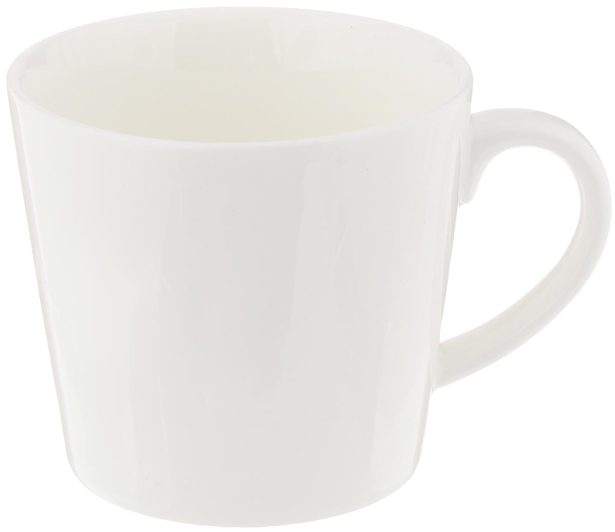 Кружка Wilmax, 280 млWL-993015 / A, WL-993101 / AИзящная кружка Wilmax выполнена из высококачественного фарфора. Изделие впишется в любой интерьер современной кухни, а также станет отличным дополнением к сервировке праздничного или обеденного стола. Диаметр кружки (по верхнему краю): 8,5 см.