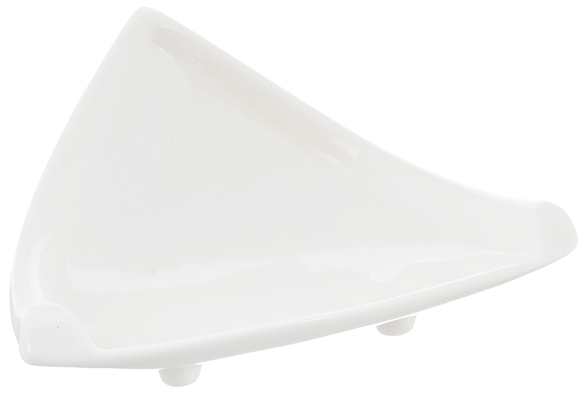 Блюдо Wilmax, треугольное, 18 х 20,5 смWL-996103 / AБлюдо Wilmax треугольной формы изготовлено извысококачественного фарфора, покрытого слоем глазури.Изделие предназначено для подачи нарезок, закусок, соусовили варенья.Такое блюдо пригодится в любом хозяйстве, оно подойдет какдля праздничного стола, так и для повседневногоиспользования. Блюдо функциональное, практичное и легкое вуходе.