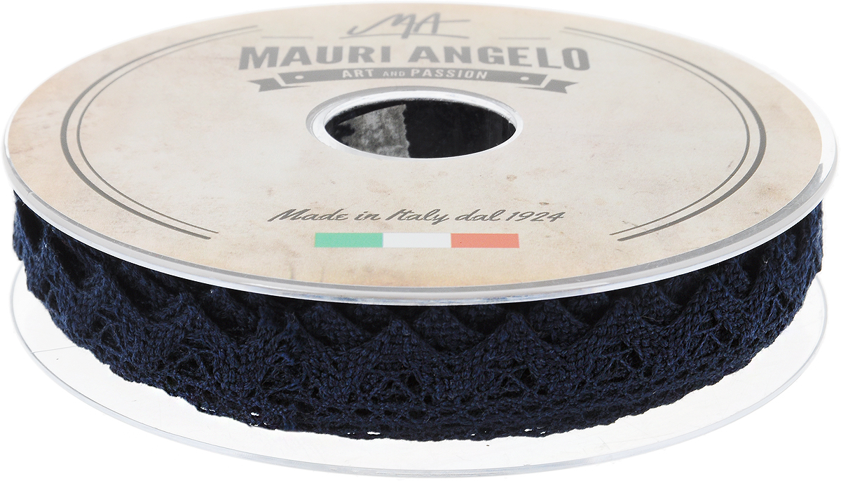 Лента кружевная Mauri Angelo, цвет: темно-синий, 1,8 см х 20 мMR2710/039_темно-синийДекоративная кружевная лента Mauri Angelo - текстильное изделие без тканой основы, в котором ажурный орнамент и изображения образуются в результате переплетения нитей. Кружево применяется для отделки одежды, белья в виде окаймления или вставок, а также в оформлении интерьера, декоративных панно, скатертей, тюлей, покрывал. Главные особенности кружева - воздушность, тонкость, эластичность, узорность.Декоративная кружевная лента Mauri Angelo станет незаменимым элементом в создании рукотворного шедевра. Ширина: 1,8 см.Длина: 20 м.