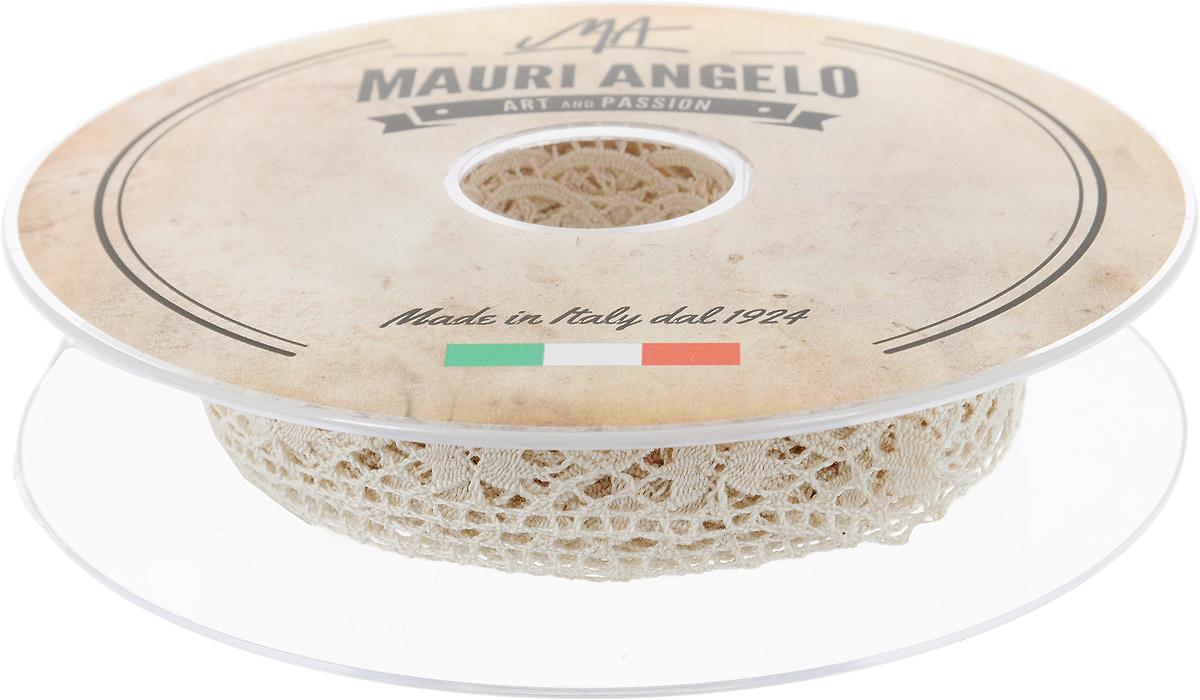 Лента кружевная Mauri Angelo, цвет: бежевый, 1,7 см х 10 мMR1197_бежевыйДекоративная кружевная лента Mauri Angelo - текстильное изделие без тканой основы, в котором ажурный орнамент и изображения образуются в результате переплетения нитей. Кружево применяется для отделки одежды, белья в виде окаймления или вставок, а также в оформлении интерьера, декоративных панно, скатертей, тюлей, покрывал. Главные особенности кружева - воздушность, тонкость, эластичность, узорность.Декоративная кружевная лента Mauri Angelo станет незаменимым элементом в создании рукотворного шедевра. Ширина: 1,7 см.Длина: 10 м.