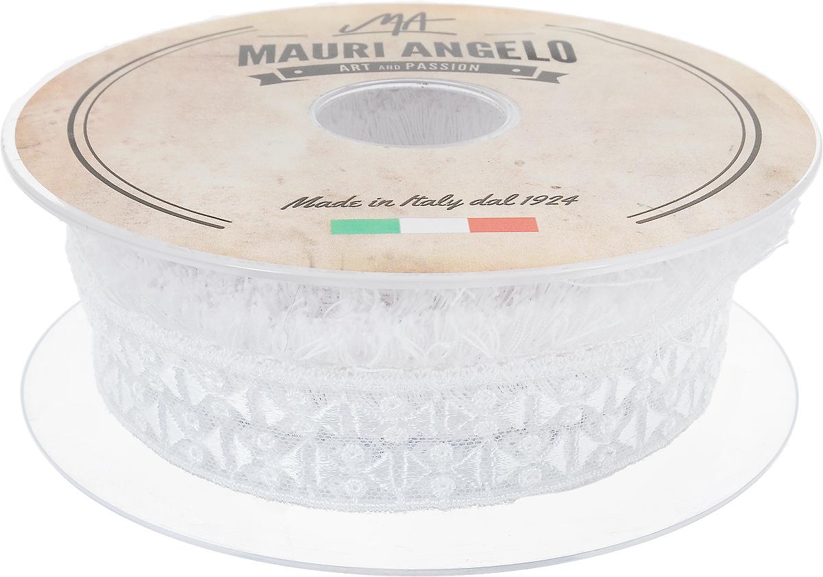 Лента кружевная Mauri Angelo, цвет: белый, 3,2 см х 10 мMR897Z169_белыйДекоративная кружевная лента Mauri Angelo - текстильное изделие без тканой основы, в котором ажурный орнамент и изображения образуются в результате переплетения нитей. Кружево применяется для отделки одежды, белья в виде окаймления или вставок, а также в оформлении интерьера, декоративных панно, скатертей, тюлей, покрывал. Главные особенности кружева - воздушность, тонкость, эластичность, узорность.Декоративная кружевная лента Mauri Angelo станет незаменимым элементом в создании рукотворного шедевра. Ширина: 3,2 см.Длина: 10 м.