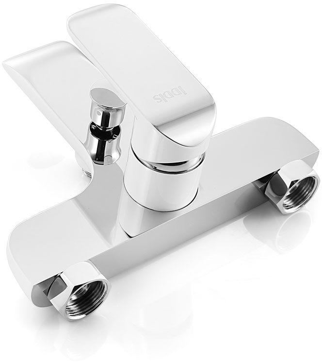 Смеситель для ванны Iddis изготовлен из высококачественной первичной  латуни, прочной, безопасной и стойкой к коррозии. Инновационные технологии  литья и обработки латуни, а также увеличенная толщина стенок смесителя  обеспечивают его стойкость к перепадам давления и температур.  Увеличенное никель-хромовое покрытие полностью соответствует  европейским стандартам качества, обеспечивает его стойкость и зеркальный  блеск в течение всего срока службы изделия.  Благодаря гладкой внутренней поверхности смесителя, рассекателям в  водозапорных механизмах и аэратору он имеет минимальный уровень шума. Ручная фиксация дивертора позволяет комфортно принимать душ даже при  низком давлении воды.  Смеситель оборудован картриджем Kerox со специальной встроенной системой  шумопоглощения, который обеспечивает долгий срок службы смесителя. Съемный пластиковый аэратор Neoperl гарантирует ровный и мягкий поток воды  без брызг. Встроенный ограничитель потока оптимизирует расход воды без  потери комфорта при использовании. В комплект входят: лейка (3 режима) и шланг из нержавеющей стали длиной 1,5 м  с защитой от перекручивания.