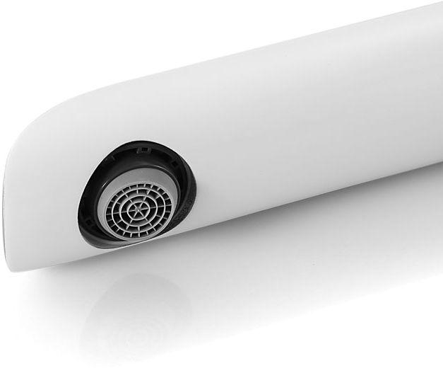 """Смеситель для кухни Iddis """"Calipso"""" изготовлен из высококачественной первичной латуни, прочной, безопасной и стойкой к коррозии. Инновационные технологии литья и обработки латуни, а также увеличенная толщина стенок смесителя обеспечивают его стойкость к перепадам давления и температур.  Увеличенное никель-хромовое покрытие полностью соответствует европейским стандартам качества, обеспечивает его стойкость и зеркальный блеск в течение всего срока службы изделия.  Благодаря гладкой внутренней поверхности смесителя, рассекателям в водозапорных механизмах и аэратору он имеет минимальный уровень шума. Смеситель оборудован картриджем Kerox со специальной встроенной системой шумопоглощения, который обеспечивает долгий срок службы смесителя. Съемный пластиковый аэратор Neoperl гарантирует ровный и мягкий поток воды без брызг. Встроенный ограничитель потока оптимизирует расход воды без потери комфорта при использовании. В комплекте: гибкая подводка, крепеж. Гарантия на смесители Iddis - 10 лет."""