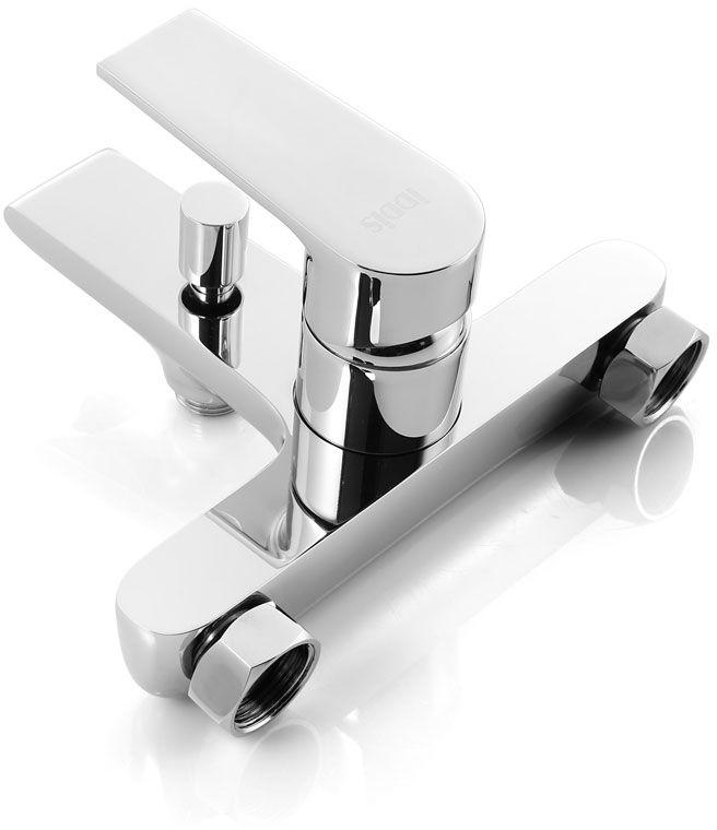 """Смеситель для ванны Iddis """"Edifice"""" изготовлен из высококачественной первичной латуни, прочной, безопасной и стойкой к коррозии. Инновационные технологии литья и обработки латуни, а также увеличенная толщина стенок смесителя обеспечивают его стойкость к перепадам давления и температур.  Увеличенное никель-хромовое покрытие полностью соответствует европейским стандартам качества, обеспечивает его стойкость и зеркальный блеск в течение всего срока службы изделия.  Благодаря гладкой внутренней поверхности смесителя, рассекателям в водозапорных механизмах и аэратору он имеет минимальный уровень шума. Ручная фиксация дивертора позволяет комфортно принимать душ даже при низком давлении воды.  Смеситель оборудован картриджем Kerox со специальной встроенной системой шумопоглощения, который обеспечивает долгий срок службы смесителя. Съемный пластиковый аэратор Neoperl гарантирует ровный и мягкий поток воды без брызг. Встроенный ограничитель потока оптимизирует расход воды без потери комфорта при использовании. В комплекте: лейка (3 режима) и шланг из нержавеющей стали длиной 1,5 м с защитой от перекручивания.  Гарантия на смесители Iddis - 10 лет. Гарантия на лейку и шланг составляет 3 года."""