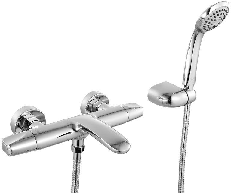 Смеситель для ванны Iddis Elansa, цвет: хромELASB00I02Смеситель для ванны Iddis Elansa изготовлен из высококачественной первичной латуни, прочной, безопасной и стойкой к коррозии. Инновационные технологии литья и обработки латуни, а также увеличенная толщина стенок смесителя обеспечивают его стойкость к перепадам давления и температур. Увеличенное никель-хромовое покрытие полностью соответствует европейским стандартам качества, обеспечивает его стойкость и зеркальный блеск в течение всего срока службы изделия. Благодаря гладкой внутренней поверхности смесителя, рассекателям в водозапорных механизмах и аэратору он имеет минимальный уровень шума.Ручная фиксация дивертора позволяет комфортно принимать душ даже при низком давлении воды. Керамические кран-буксы с углом поворота 180 градусов позволяют настраивать температуру и напор воды с высокой степенью точности. Ручки смесителя не нагреваются благодаря специальной форме встроенных термоизоляторов. Съемный пластиковый аэратор Neoperl гарантирует ровный и мягкий поток воды без брызг. Встроенный ограничитель потока оптимизирует расход воды без потери комфорта при использовании.В комплекте: лейка и шланг из нержавеющей стали длиной 1,5 м с защитой от перекручивания. Гарантия на смесители Iddis - 10 лет. Гарантия на лейку и шланг составляет 3 года.