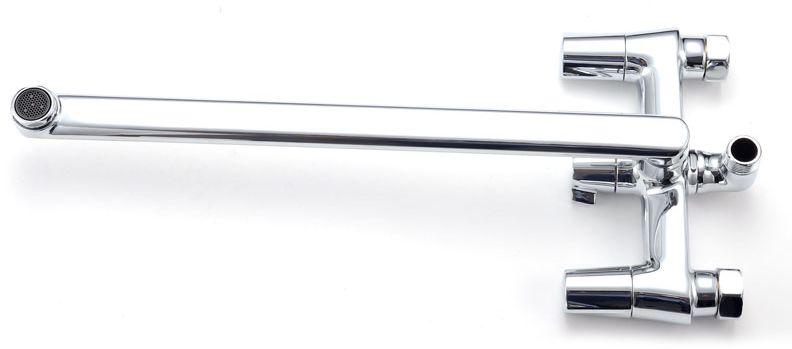 """Смеситель для ванны Iddis """"Jam"""" изготовлен из высококачественной первичной латуни, прочной, безопасной и стойкой к коррозии. Инновационные технологии литья и обработки латуни, а также увеличенная толщина стенок смесителя обеспечивают его стойкость к перепадам давления и температур.  Увеличенное никель-хромовое покрытие полностью соответствует европейским стандартам качества, обеспечивает его стойкость и зеркальный блеск в течение всего срока службы изделия.  Благодаря гладкой внутренней поверхности смесителя, рассекателям в водозапорных механизмах и аэратору он имеет минимальный уровень шума. Смеситель оборудован керамическим дивертором, чей сверхнадежный механизм обеспечивает плавное и мягкое переключение с излива на душ, а также непревзойденную надежность при любом давлении воды. Керамические кран-буксы с углом поворота 180 градусов позволяют настраивать температуру и напор воды с высокой степенью точности. Ручки смесителя не нагреваются благодаря специальной форме встроенных термоизоляторов. Длина излива: 350 мм. Съемный пластиковый аэратор Neoperl гарантирует ровный и мягкий поток воды без брызг. Встроенный ограничитель потока оптимизирует расход воды без потери комфорта при использовании. В комплекте: лейка и шланг из нержавеющей стали длиной 1,5 м с защитой от перекручивания.  Гарантия на смесители Iddis - 10 лет. Гарантия на лейку и шланг составляет 3 года."""