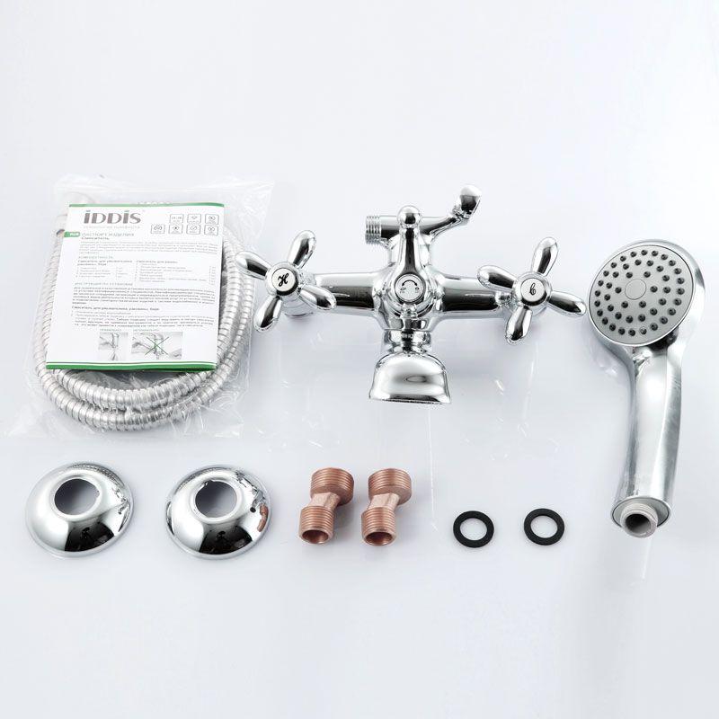 """Смеситель для ванны Iddis """"Jeals"""" изготовлен из высококачественной первичной латуни, прочной, безопасной и стойкой к коррозии. Инновационные технологии литья и обработки латуни, а также увеличенная толщина стенок смесителя обеспечивают его стойкость к перепадам давления и температур. Увеличенное никель-хромовое покрытие полностью соответствует европейским стандартам качества, обеспечивает его стойкость и зеркальный блеск в течение всего срока службы изделия. Благодаря гладкой внутренней поверхности смесителя, рассекателям в водозапорных механизмах и аэратору он имеет минимальный уровень шума.Ручная фиксация дивертора позволяет комфортно принимать душ даже при низком давлении воды. Керамические кран-буксы с углом поворота 180 градусов позволяют настраивать температуру и напор воды с высокой степенью точности. Ручки смесителя не нагреваются благодаря специальной форме встроенных термоизоляторов. Съемный пластиковый аэратор Neoperl гарантирует ровный и мягкий поток воды без брызг. Встроенный ограничитель потока оптимизирует расход воды без потери комфорта при использовании.В комплекте: лейка и шланг из нержавеющей стали длиной 1,5 м с защитой от перекручивания. Гарантия на смесители Iddis - 10 лет. Гарантия на лейку и шланг составляет 3 года."""