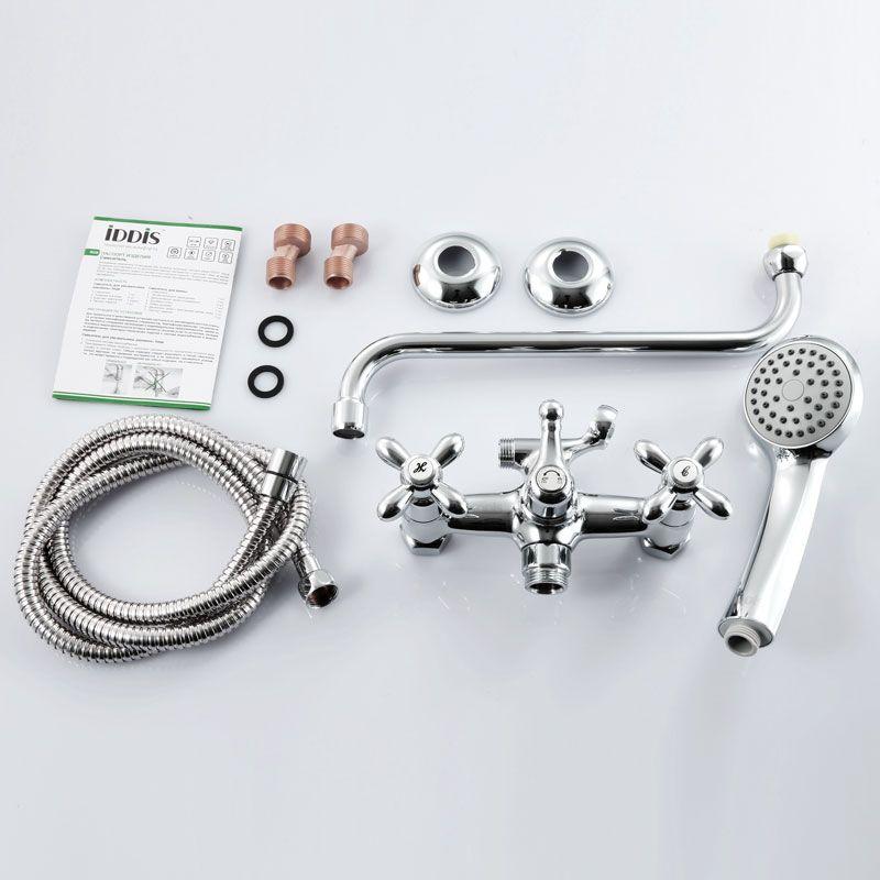 """Смеситель для ванны Iddis """"Jeals"""" изготовлен из высококачественной первичной латуни, прочной, безопасной и стойкой к коррозии. Инновационные технологии литья и обработки латуни, а также увеличенная толщина стенок смесителя обеспечивают его стойкость к перепадам давления и температур. Увеличенное никель-хромовое покрытие полностью соответствует европейским стандартам качества, обеспечивает его стойкость и зеркальный блеск в течение всего срока службы изделия. Благодаря гладкой внутренней поверхности смесителя, рассекателям в водозапорных механизмах и аэратору он имеет минимальный уровень шума.Смеситель оборудован керамическим дивертором, чей сверхнадежный механизм обеспечивает плавное и мягкое переключение с излива на душ, а также непревзойденную надежность при любом давлении воды.Керамические кран-буксы с углом поворота 180 градусов позволяют настраивать температуру и напор воды с высокой степенью точности. Ручки смесителя не нагреваются благодаря специальной форме встроенных термоизоляторов.Длина излива: 300 мм.Съемный пластиковый аэратор Neoperl гарантирует ровный и мягкий поток воды без брызг. Встроенный ограничитель потока оптимизирует расход воды без потери комфорта при использовании.В комплекте: лейка (1 режим) и шланг из нержавеющей стали длиной 1,5 м с защитой от перекручивания. Гарантия на смесители Iddis - 10 лет. Гарантия на лейку и шланг составляет 3 года."""