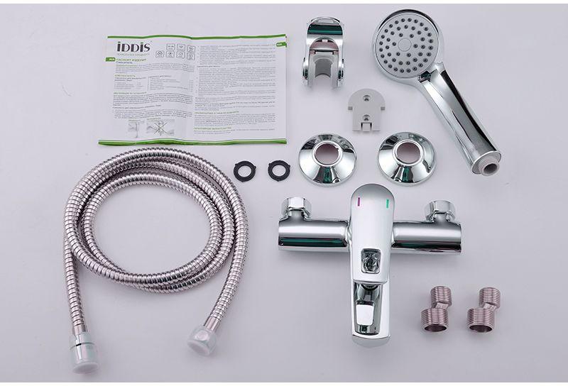 """Смеситель для ванны Iddis """"Runo"""" изготовлен из высококачественной первичной латуни, прочной, безопасной и стойкой к коррозии. Инновационные технологии литья и обработки латуни, а также увеличенная толщина стенок смесителя обеспечивают его стойкость к перепадам давления и температур. Увеличенное никель-хромовое покрытие полностью соответствует европейским стандартам качества, обеспечивает его стойкость и зеркальный блеск в течение всего срока службы изделия. Благодаря гладкой внутренней поверхности смесителя, рассекателям в водозапорных механизмах и аэратору он имеет минимальный уровень шума.Ручная фиксация дивертора позволяет комфортно принимать душ даже при низком давлении воды. Картридж Softap обеспечивает особую плавность хода ручки смесителя - для точной регулировки температуры и напора воды.Аэратор легко извлекается из смесителя с помощью монетки, упрощая его очистку. Встроенный ограничитель потока оптимизирует расход воды без потери комфорта при использовании. В комплекте: лейка (1 режим) и шланг из нержавеющей стали длиной 1,5 м с защитой от перекручивания. Гарантия на смесители Iddis - 10 лет. Гарантия на лейку и шланг составляет 3 года."""