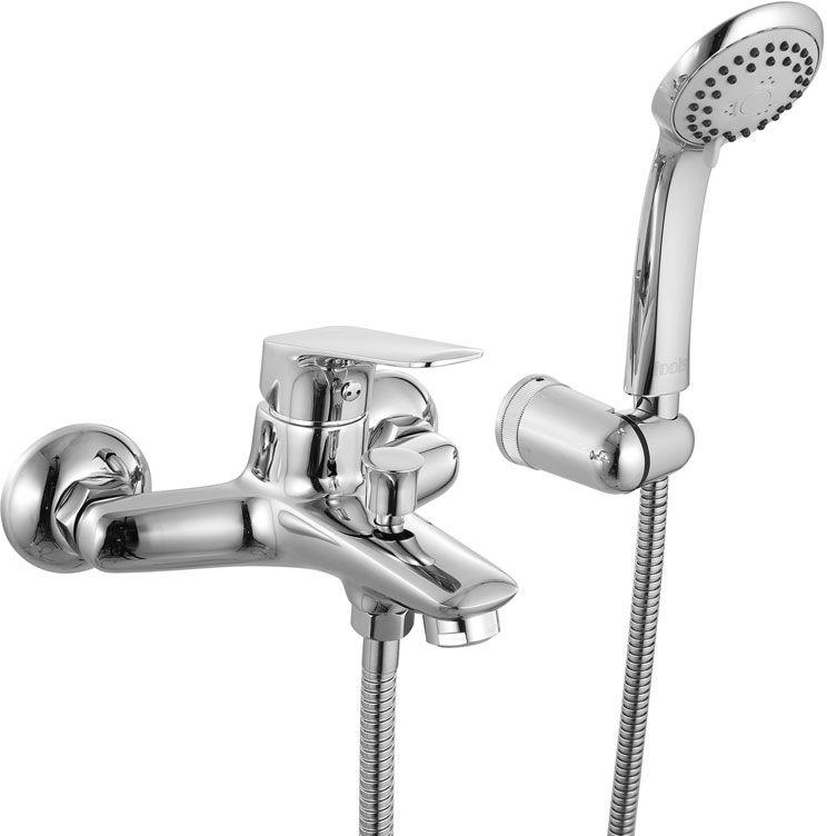 Смеситель для ванны Iddis Vinsente, с коротким изливом, цвет: хромVINSB00i02Смеситель для ванны Iddis Vinsente изготовлен из высококачественной первичной латуни, прочной, безопасной и стойкой к коррозии. Инновационные технологии литья и обработки латуни, а также увеличенная толщина стенок смесителя обеспечивают его стойкость к перепадам давления и температур. Увеличенное никель-хромовое покрытие полностью соответствует европейским стандартам качества, обеспечивает его стойкость и зеркальный блеск в течение всего срока службы изделия. Благодаря гладкой внутренней поверхности смесителя, рассекателям в водозапорных механизмах и аэратору он имеет минимальный уровень шума.Ручная фиксация дивертора позволяет комфортно принимать душ даже при низком давлении воды. Картридж Softap обеспечивает особую плавность хода ручки смесителя – для точной регулировки температуры и напора воды.Съемный пластиковый аэратор Neoperl гарантирует ровный и мягкий поток воды без брызг. Встроенный ограничитель потока оптимизирует расход воды без потери комфорта при использовании.В комплекте: лейка (3 режима) и шланг из нержавеющей стали длиной 1,5 м с защитой от перекручивания.Гарантия на смесители Iddis - 10 лет. Гарантия на лейку и шланг составляет 3 года.