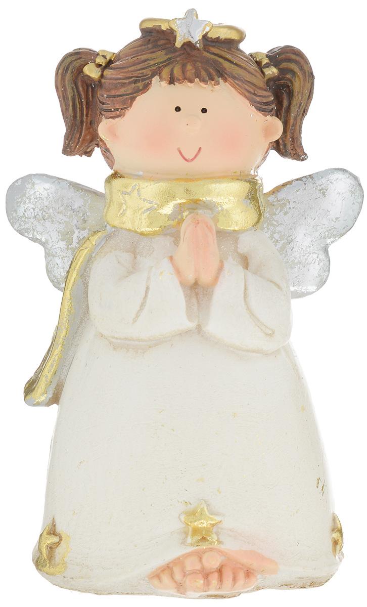 Фигурка декоративная House & Holder Ангел, высота 12 смYQ112233-5BДекоративная фигурка House & Holder Ангел выполнена из керамики в виде очаровательного ангелочка. Вы можете поставить эту фигурку в любом понравившемся вам месте. Но, конечно, удачнее всего такая игрушка будет смотреться у праздничной елки.Новогодние украшения приносят в дом волшебство и ощущение праздника. Создайте в своем доме атмосферу веселья и радости, украшая всей семьей комнату нарядными игрушками, которые будут из года в год накапливать теплоту воспоминаний.