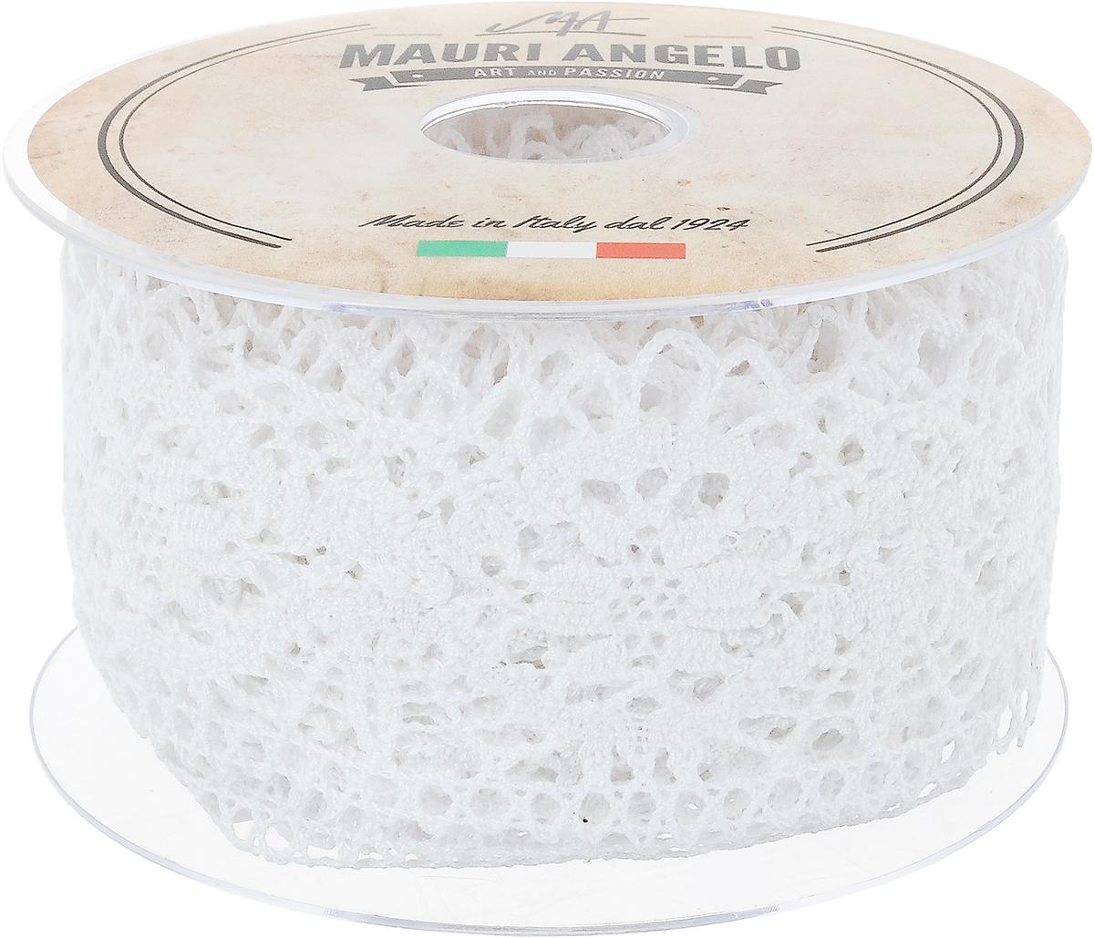 Лента кружевная Mauri Angelo, цвет: белый, 6,3 см х 10 мMR5320_белыйДекоративная кружевная лента Mauri Angelo - текстильное изделие без тканой основы, в котором ажурный орнамент и изображения образуются в результате переплетения нитей. Кружево применяется для отделки одежды, белья в виде окаймления или вставок, а также в оформлении интерьера, декоративных панно, скатертей, тюлей, покрывал. Главные особенности кружева - воздушность, тонкость, эластичность, узорность.Декоративная кружевная лента Mauri Angelo станет незаменимым элементом в создании рукотворного шедевра. Ширина: 6,3 см.Длина: 10 м.