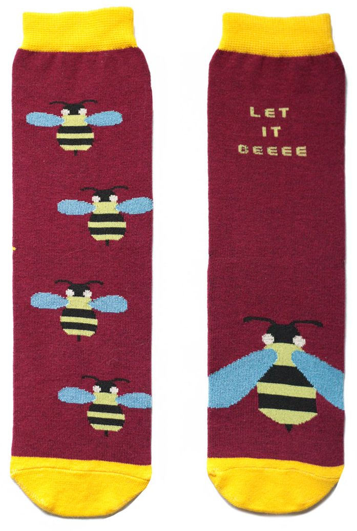 Носки мужские Big Bang Socks, цвет: бордовый, желтый. ca11031. Размер 40/44ca11011/ca11021/ca11031Женский носки Big Bang Socks изготовлены из высококачественного хлопка с добавлением полиамидных и эластановых волокон, которые обеспечивают великолепную посадку.Удобная резинка идеально облегает ногу и не пережимает сосуды, а удлиненный паголенок придает более эстетичный вид. Мысок и пятка усилены. Модель оформлена принтом с изображением ос и надписью Let it beeee.