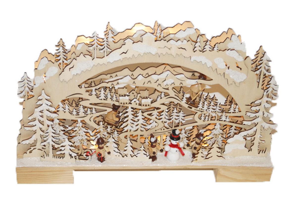 """Праздничная декорация """"Снежный лес"""" выполнена из качественной древесины в виде оригинальной композиции с деревьями и фигурками. Внутри декорации спрятаны лампы подсветки.    Декорация оригинально украсит интерьер помещения и создаст в вашем доме атмосферу уюта и романтики, а также станет замечательным подарком.    Количество ламп: 10 LED.    Высота светильника: 26 см.   Длина светильника: 42 см."""